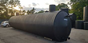 Horizontal plastic tanks