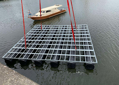 Floating pontoons for marinas - GHIBLIPLAST
